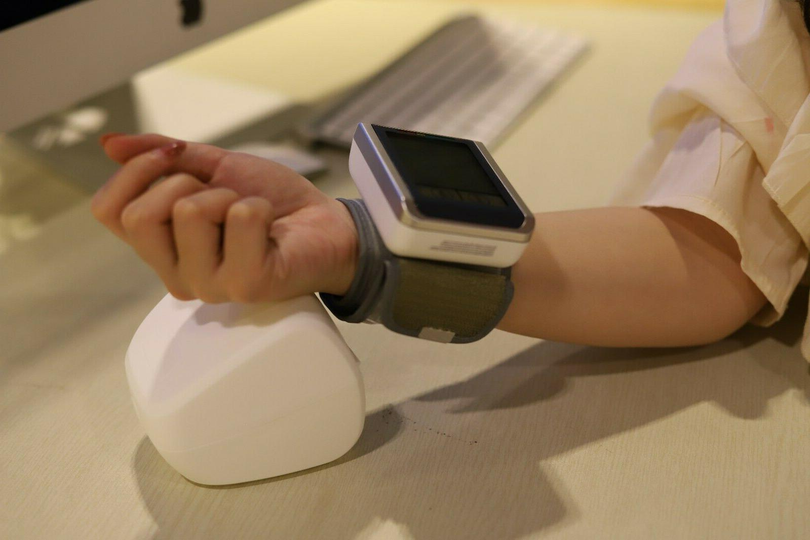 Automatic Wrist Blood Monitor with Backlight